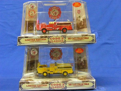 crown-firecoach-pumper-l.a.-2pack--code-3-collectibles-COD12951
