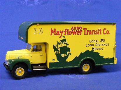 1957-ih-r-200-w-moving-van-mayflower-transit-co-first-gear-FGC1471