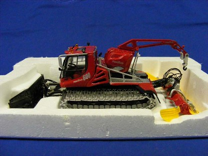 pistenbully-600-with-crane-snow-groomer-ros--srl-ROS80103.5