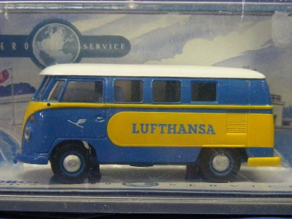 vw-minibus-lufthansa-corgi-COR07001