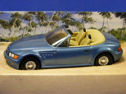 james-bond-bmw-z3-goldeneye-corgi-COR04901