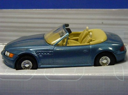 james-bond-bmw-z3-goldeneye-corgi-COR04902