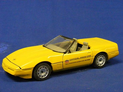 1996-corvette-pace-car-yellow-amt-ertl-AMT6267