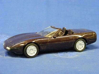 1992-chevy-corvette-convertible-amt-ertl-AMT6577