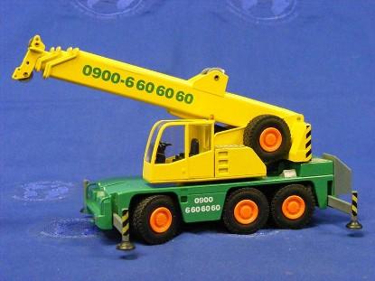 demag-ac40-1-3-axle-truck-crane-yellow-green-conrad-CON2093.18