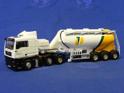 man-tga-xl-feldbinder-tanker-tarmac-corgi-COR13407