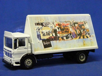 the-beatles--aec-4-wheel-flatbed-lorry-corgi-COR22301