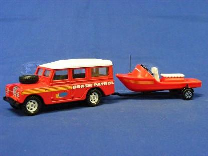 land-rover-beach-patrol-trailer-w-rescue-boat-corgi-COR60027