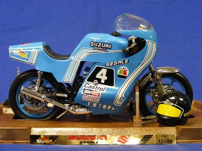 suzuki-segale-motorcycle-guiloy-GLY13529