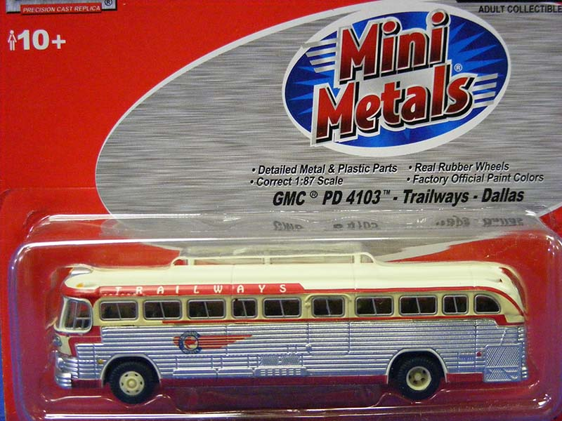 GMC PD4103 Trailways Bus