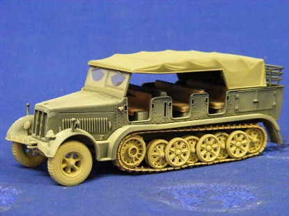 german-sdkfz-personnel-carrier-corgi-COR60004M