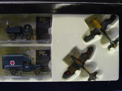 battle-of-britain-set-3-spitfire-bf100e-van-aec-corgi-CORCS90025