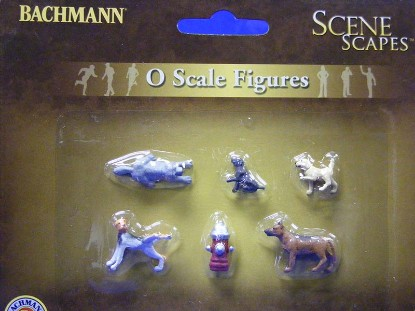 dogs-with-fire-hydrant-bachmann-BAC33158