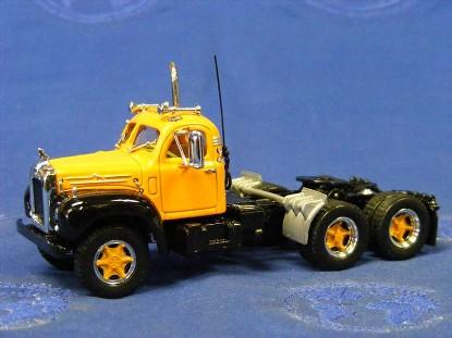 1956-mack-b-61-tractor-matchbox-MAT35214