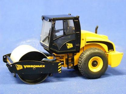 jcb-vibromax-vm-115-roller-motorart-MOT13384