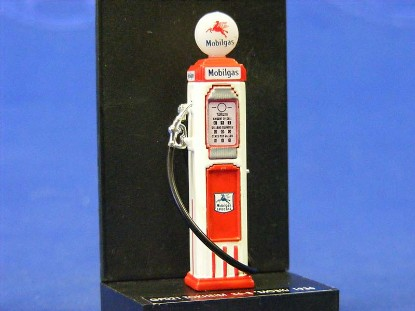mobil-gas-pump-1936-tockheim-vitesse-VITGP021