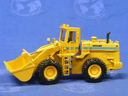 dresser-560b-wheel-loader-all-yellow-conrad-CON2420.1