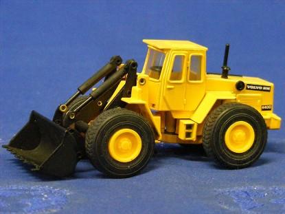 volvo-bm-4400-wheel-loader-lintoy-LIN4400