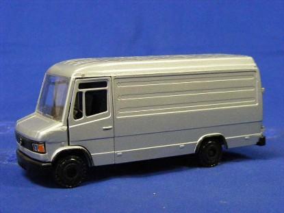 mercedes-benz-507d-box-van-conrad-CON1620