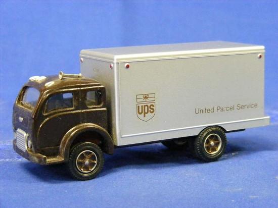 White 3000 Box Truck