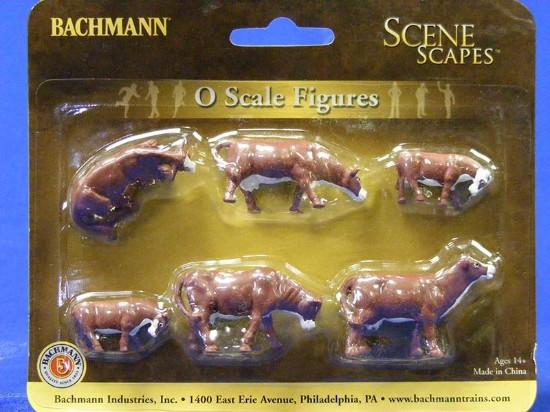 cows-brown-white-bachmann-BAC33152