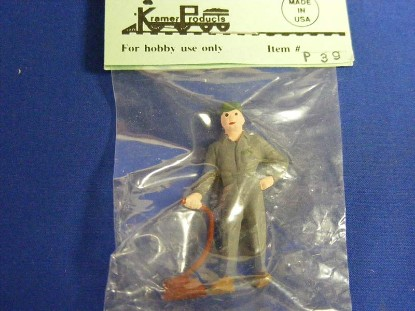 gas-station-figure-with-hose-kramer-KRMP39