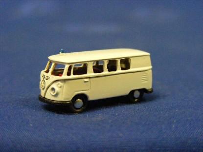 vw-bus-police-white-marks-MAR2404
