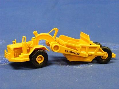 caterpillar-619c-scraper-roco-ROC1404