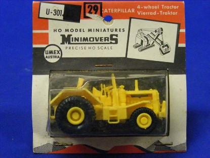 caterpillar-dw20-scraper-tractor-umex-UMX301