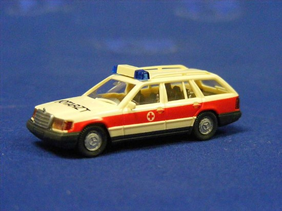 emergency-station-wagon-wiking-WIK07118