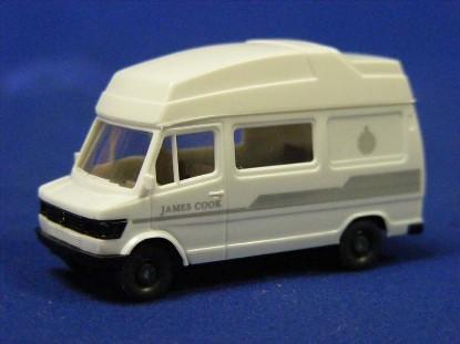 mercedes-benz-camper-van-james-cooke--wiking-WIK14267