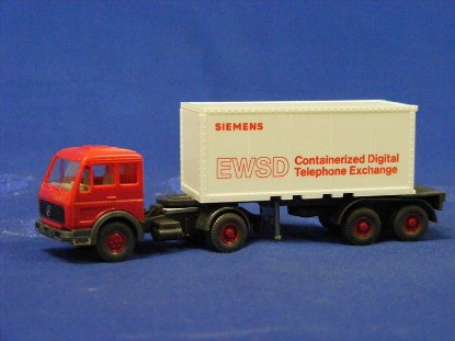 mercedes-benz-tractor-w-container-trailer-ewsd--wiking-WIK18526
