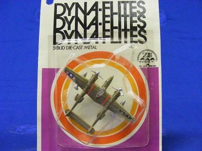 dyna-flites-p-38-lightning-1972--zee-toys-ZEE09