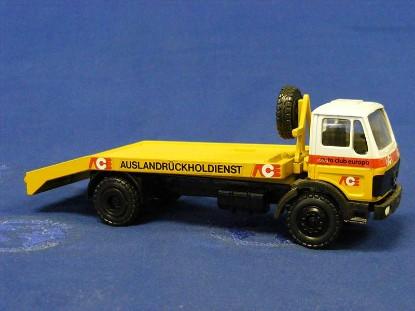 mb-vehicle-recovery-truck-auto-club-europe-conrad-CON3054