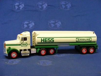 1990-semi-tanker-truck-w-sound-lights-hess-HES1990