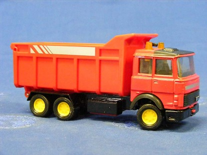 iveco-dump-truck-red-matchbox-king-size-MATK-139R