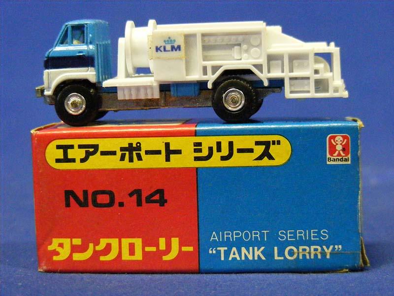airline-tank-lorry-bandai-BAN14