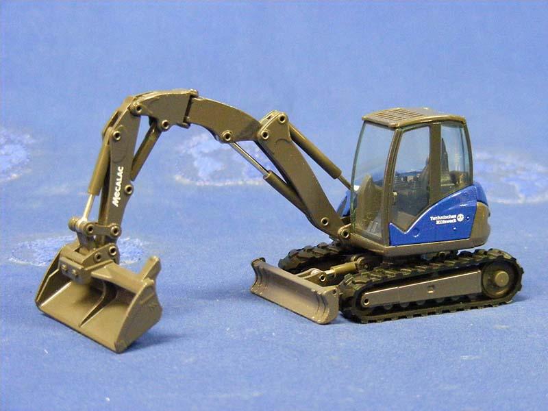 mecalac-8mrc-excavator-thw-conrad-CON2927.02