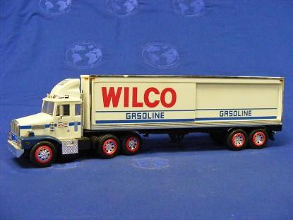 wilco-gasoline-box-trailer-truck-gas-station-trucks-GST003