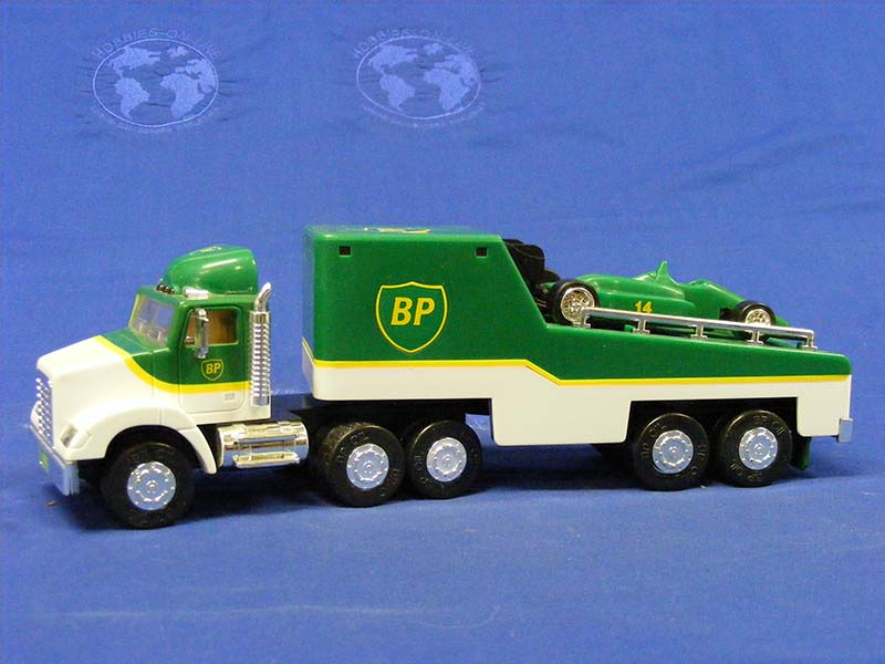 1993-limited-bp-toy-race-car-carrier-gas-station-trucks-GST004