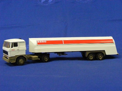daf-3300-esso-tanker-truck-no-box--liontoys-LTM37