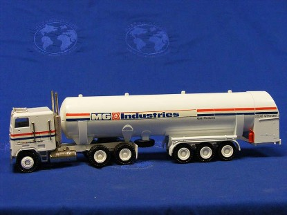 freightliner-bulk-gas-tanker-mg-industries--conrad-CON3523.1