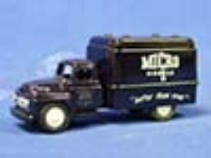 ih-delivery-van-better-than-ever--micromodels-MIC501B
