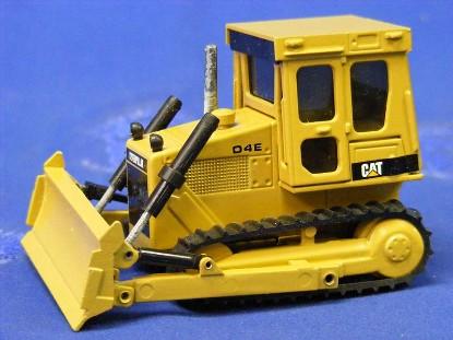 cat-d4e-dozer-new-color-nzg-NZG205.1