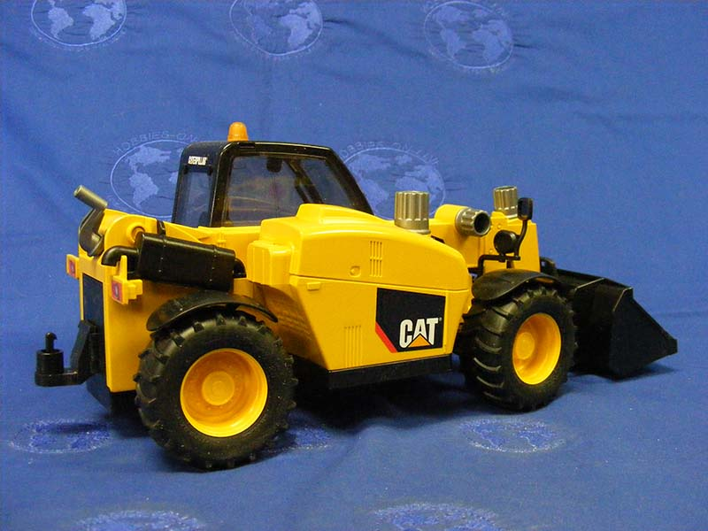 cat-telehandler-bruder-BRU02142