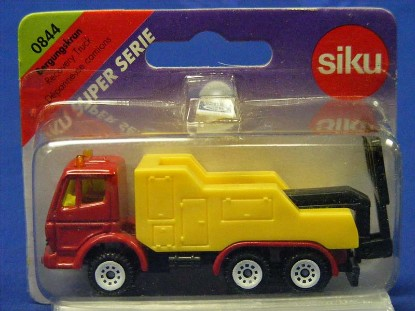 mb-tow-truck-with-lift-bar-siku-SIK0844