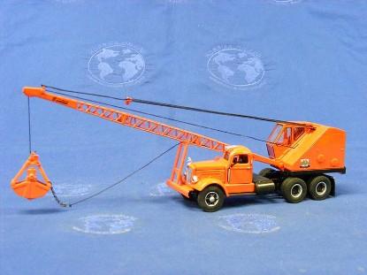 bantam-lattice-crane-on-white-wc22-carrier-spec-cast-SPCBTC