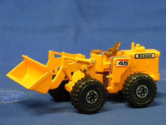michigan-45-wheel-loader-bachmann-BAC9561