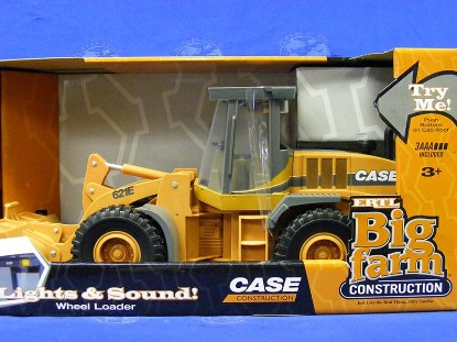 case-big-farm-tractor-wheel-loader-lights-sounds--ertl-ERT35910