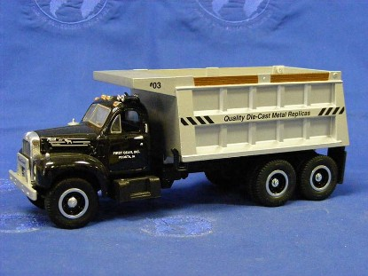 mack-1960-b-61-dump-truck-1st-gear-first-gear-FGC0008